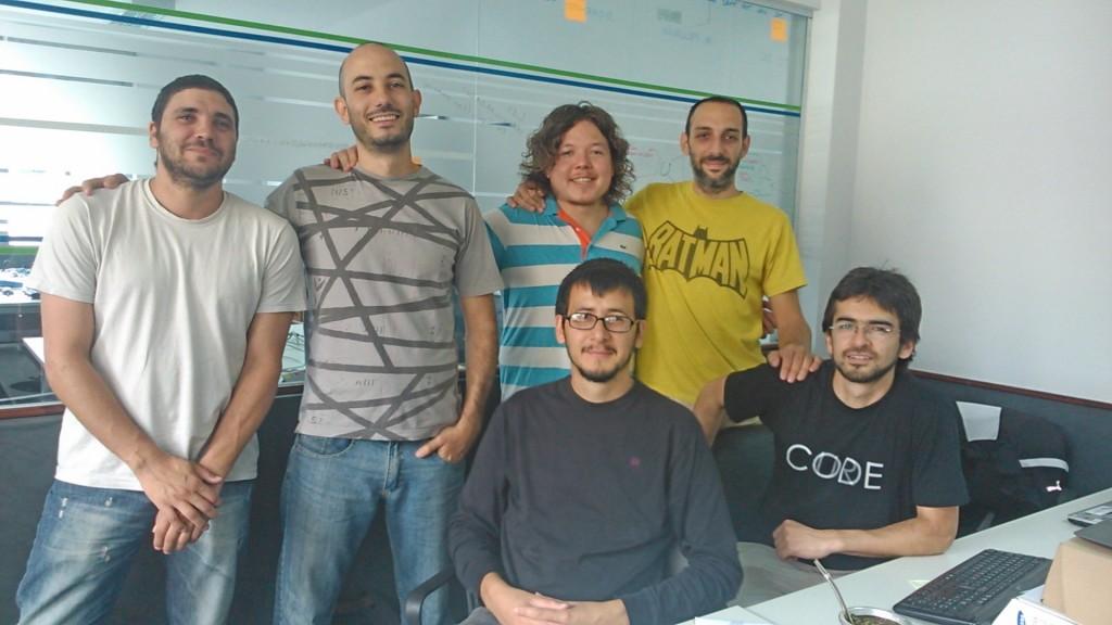 Jonathan Katz, Rodrigo Monelos, Federico Díaz, Claudio Bidau, Néstor Ancel y Fernando Claverino.