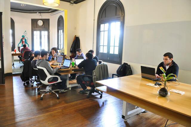 Coworking abierto en la Semana de la Economía Colaborativa. Foto: La Ofi.