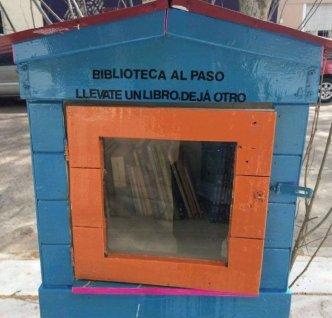 Biblioteca al paso Parque Chas