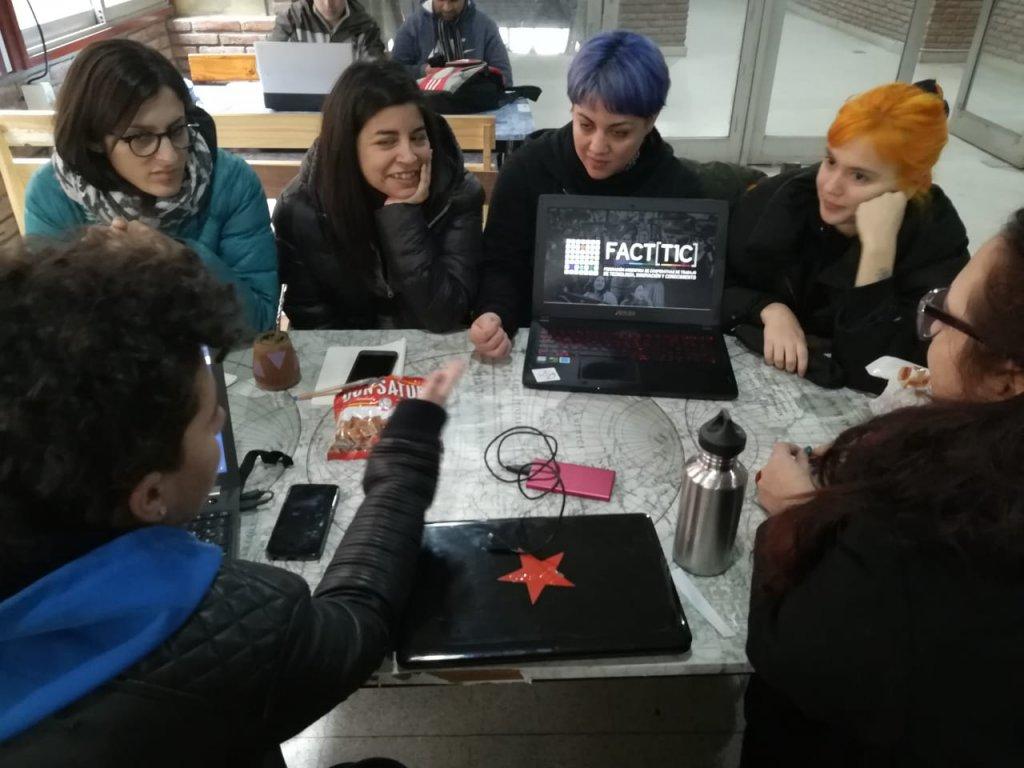 Trabajadoras de cooperativas de software. Tomado de la cuenta de Twitter de Facttic.