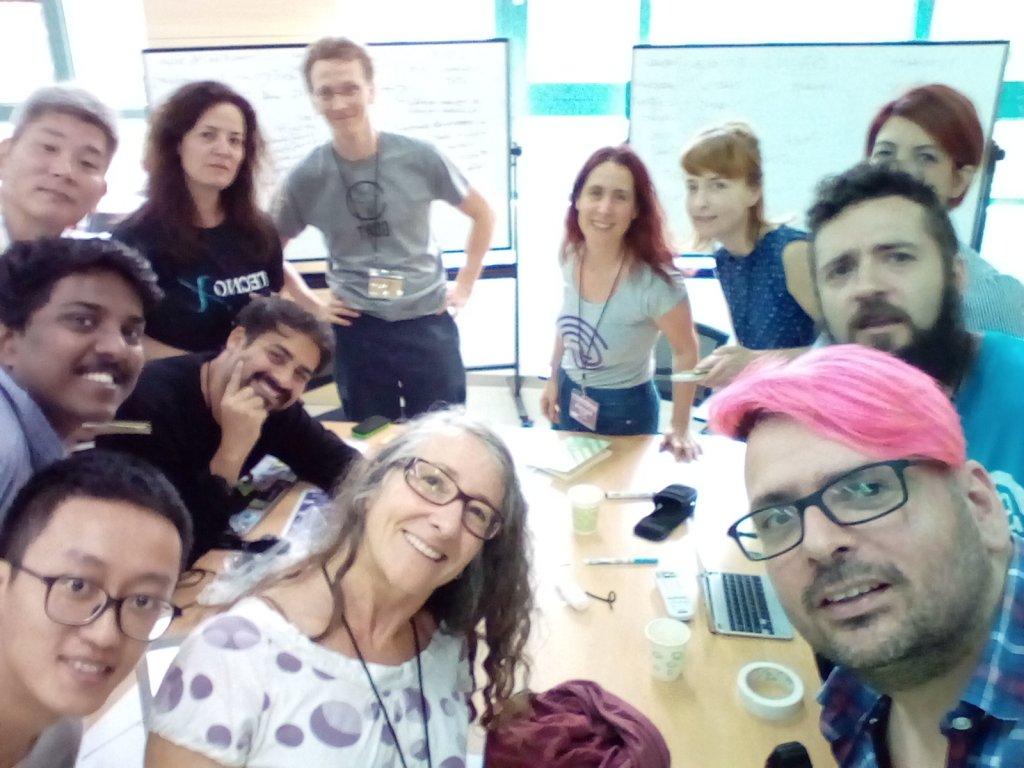 El grupo de la sesión de storytelling - ¿Cómo comunicar la importancia del Open Science Hardware?